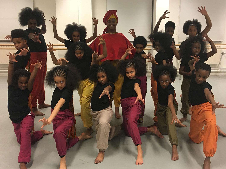 Akomaasa Arts Company Dancers